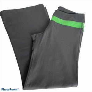 LULULEMON gray and green reversible yoga pants